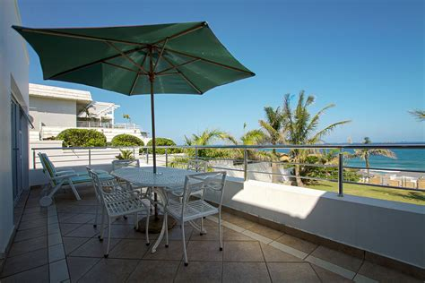 seashelles-view-beach-ocean-accommodation-self-catering