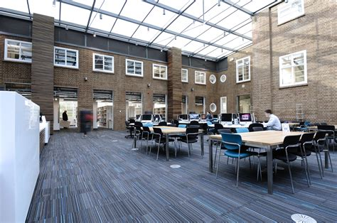 Learning resources centre - Kingston School of Art at