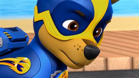 Paw Patrol Mission Paw - Mighty Pups - Leader Pup Chase