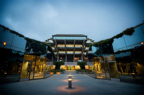Photography: Geisel Library | University Communications