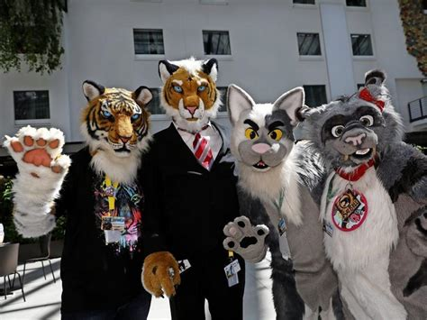 So kuschelig war die Furry-Convention in Berlin