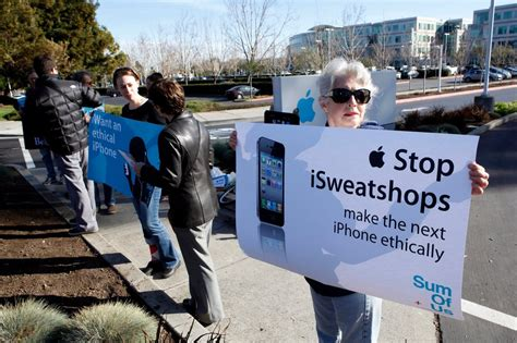 Dividends Emerge in Pressing Apple Over Working Conditions