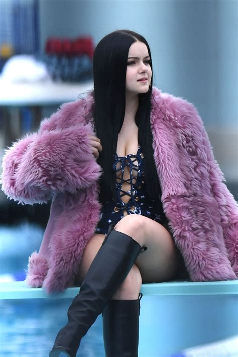 Ariel Winter Sexy (19 New Photos) | #TheFappening