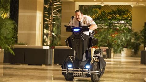 Shop, Drop and Roll: A Real Mall Cop Takes on 'Paul Blart