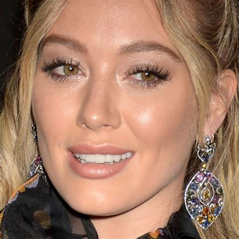 Hilary Duff's Makeup Photos & Products | Steal Her Style